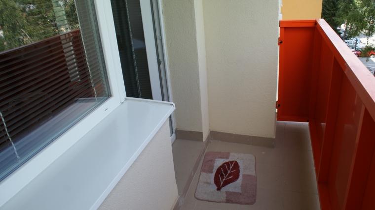 3-izbový byt v pôvodnom stave, ul. I.Houdeka
