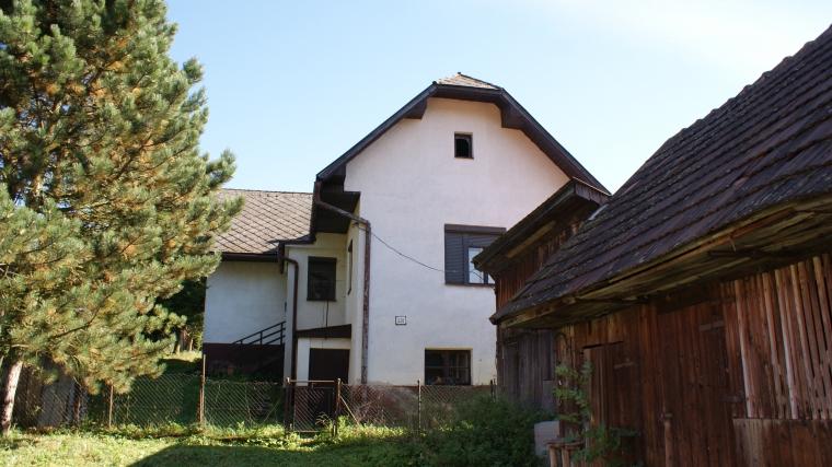 Rodinný dom v pôvodnom stave s peknou záhradou, Hubová