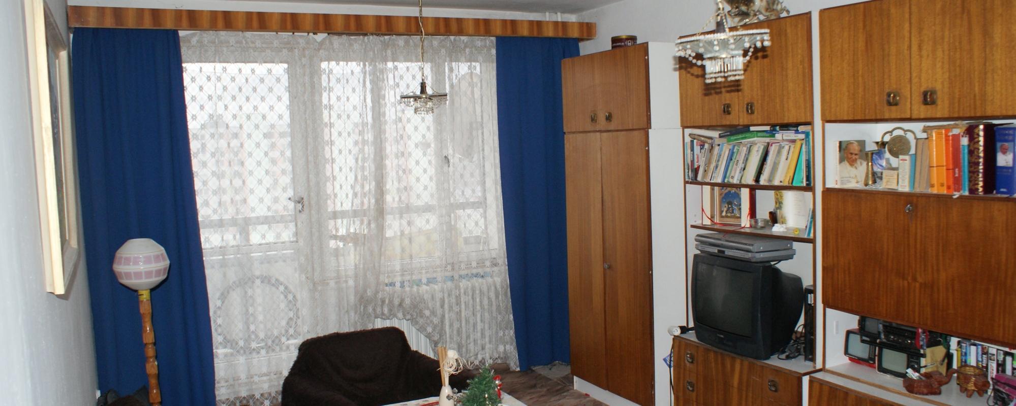 Priestranný 3-izbový byt v pôvodnom stave, ul.Bystrická cesta