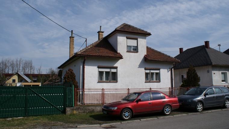 1545a8bd7 Rodinný dom vo výbornej lokalite, ul.Laziny, Ružomberok