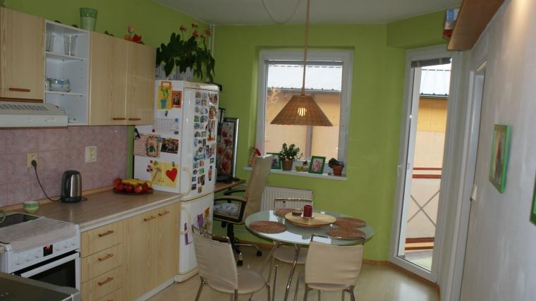 Priestranný 2-izbový byt v tehlovom obytnom dome, ul.Plavisko