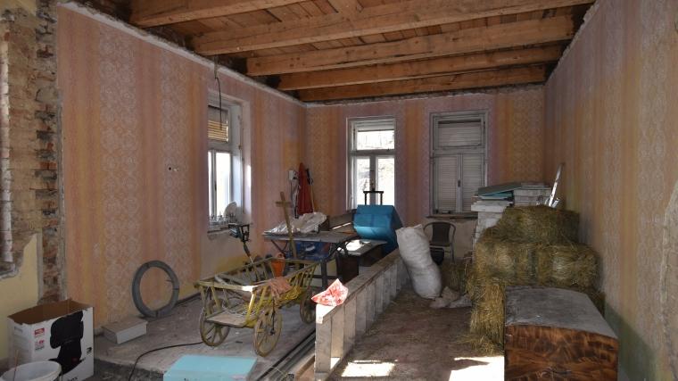 Rodinný dom so začatou rekonštrukciou, Ludrová