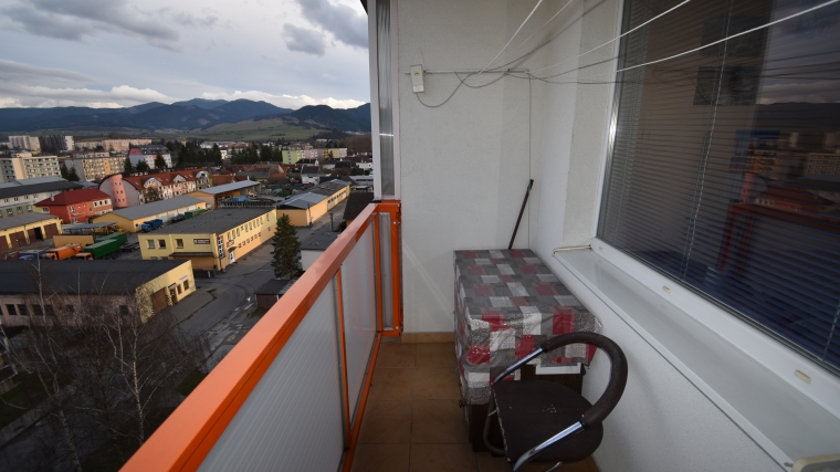 2-izbový byt po čiastočnej rekonštrukcii s výbornou polohou, ul.Riadok