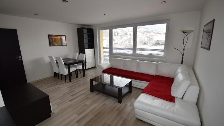 Prenájom 3-izbového bytu po kompletnej rekonštrukcii, ul.Plavisko