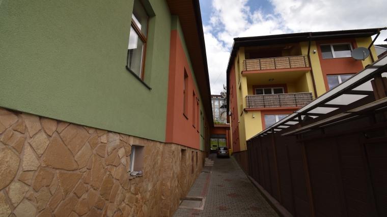 Prenájom zrekonštruovaných administratívnych priestorov v centre Ružomberka, ul.Majere