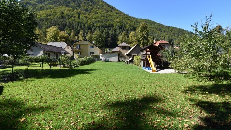 Rodinný dom so stavebným pozemkom, Ľubochňa