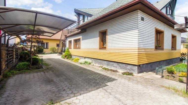 Dva zrekonštruované rodinné domy, Štiavnička pri Ružomberku