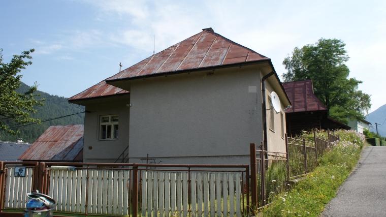 Rodinný dom po čiastočnej rekonštrukcii - Hubová