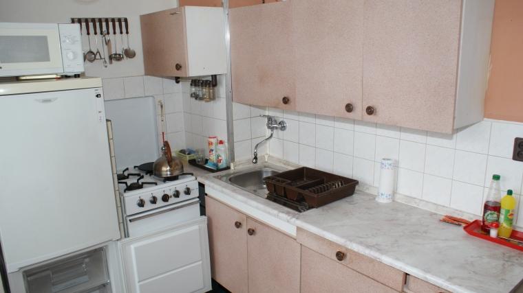 Priestranný 2 izbový  byt v pôvodnom stave, ul.Bystrická cesta